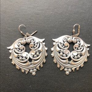 Decorative silver drop earrings